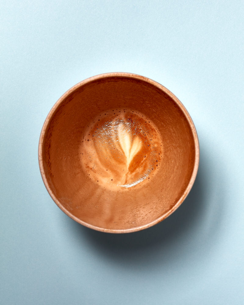 Empty flat white coffee photo in a reusable cup